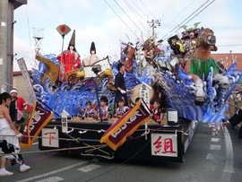 2010年鳴雷神社例大祭_下組旭光団の山車